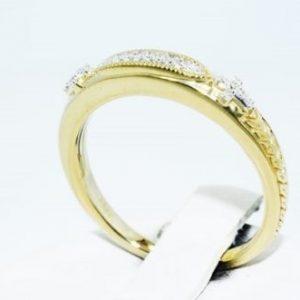 טבעת כסף בציפוי זהב בשיבוץ יהלומים לבנים 06. קרט ניקיון יהלומים: SI1 מידה: 7.25
