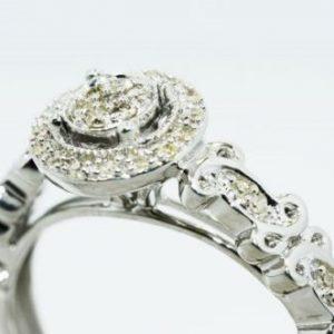 טבעת כסף בשיבוץ יהלומים לבנים 13. קרט ניקיון יהלומים: SI3 מידה: 7.25