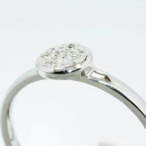 טבעת כסף בשיבוץ יהלומים לבנים 11. קרט מידה: 7