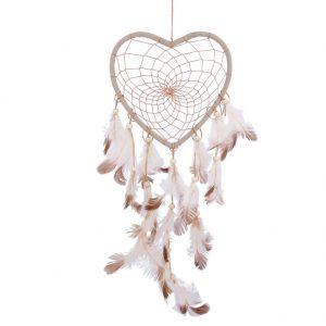 לוכד חלומות גווני חום שמנת עיצוב לב