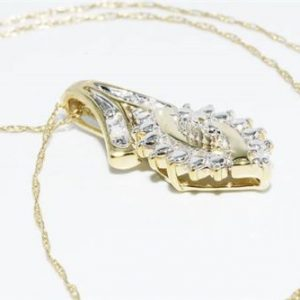 תליון ושרשרת זהב צהוב בשיבוץ 4 יהלומים לבנים 0.2 קרט ניקיון יהלומים: I1