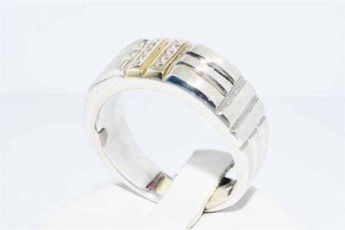 טבעת כסף וזהב לבן 10 קרט בשיבוץ 8 טופז לבן מידה: 10.75