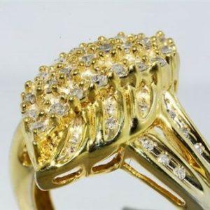 טבעת כסף ציפוי זהב בשיבוץ 46 יהלומים לבנים 65. קרט מידה: 6.75
