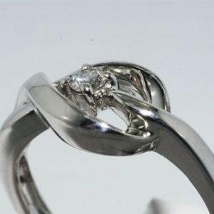 טבעת כסף 925 בשיבוץ יהלום לבן משקל: 08. קרט ניקיון יהלום: I1 מידה: 7