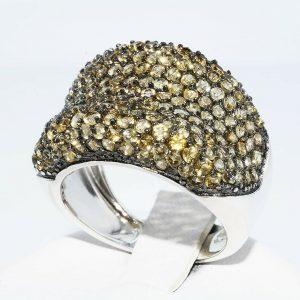 טבעת יוקרה כסף 925 בשיבוץ 176 אבני סיטרין משקל: 5 קרט מידה: 7.25
