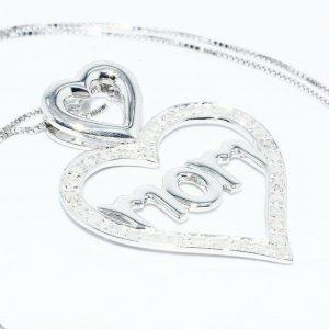 תליון ושרשרת כסף 925 עיצוב לב ו- MOM בשיבוץ 34 יהלומים 30. קרט ניקיון יהלומים: I1