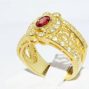 טבעת כסף בציפוי זהב בשיבוץ ספיר כתום טבעי 60. קרט בשיבוץ 26 טופז מידה 7