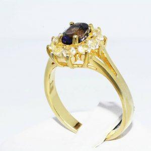 טבעת כסף 925 ציפוי זהב בשיבוץ איולייט טבעי 60. קרט + 10 טופז לבן 90. קרט מידה: 8