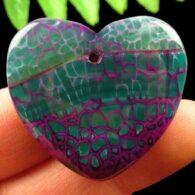 """תליון אגט אש ירוק סגול עיצוב לב מידה: 30*36 מ""""מ"""