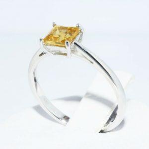 טבעת זהב לבן 10 קרט בשיבוץ סיטרין 1.10 קרט איכות AAA מידה: 7.25