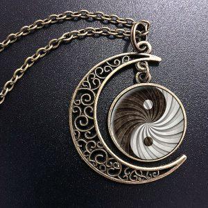 תליון ושרשרת מוכסף יין ויאנג גווני שחור לבן עיטור ירח