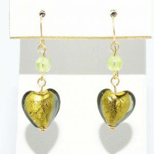 עגילי זהב 14 קרט בשיבוץ זכוכית מורנו עיצוב לב 7 קרט 2 פרידות 1 קרט