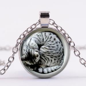 תליון ושרשרת מוכסף חתול מנומר (חברה הטוב ביותר של המכשפה)