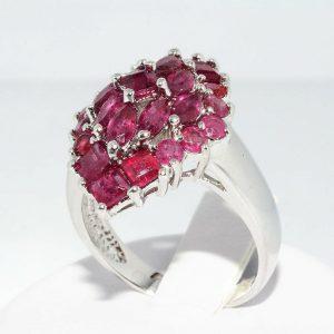 טבעת יוקרה כסף 925 בשיבוץ 25 רובי 3.5 קרט מידה: 7.25 \ 10.25