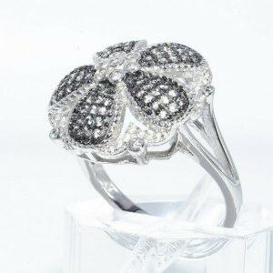 טבעת יוקרה כסף 925 בשיבוץ 65 ספיר ירוק 75. קרט + 42 טופז לבן 1.00 קרט מידה: 8.5