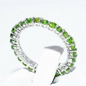 טבעת כסף 925 בשיבוץ 28 דיופסיד משקל: 2.10 קרט מידה: 8.5