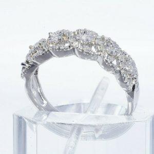 טבעת יוקרה כסף 925 בשיבוץ 29 יהלומים לבנים 20. קרט ניקיון יהלומים: I1 מידה: 7.25