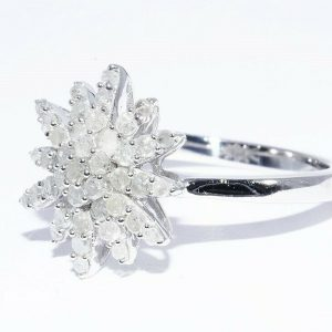 טבעת יוקרה כסף 925 בשיבוץ 43 יהלומים לבנים 80. קרט ניקיון יהלומים: I2 מידה: 7.25