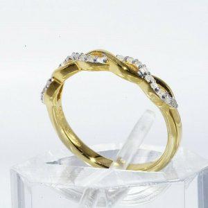 טבעת יוקרה כסף 925 ציפוי זהב בשיבוץ 21 יהלומים לבנים משקל: 11. קרט מידה: 5.25