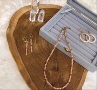 קופסת תכשיטים אפורה לטבעות