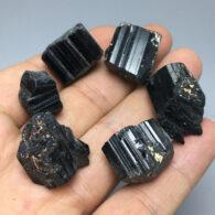 טורמלין שחור גלם משקל: 10 גרם יחידה
