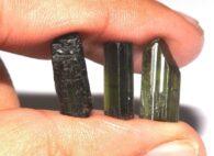 טורמלין ירוק גלם אפריקה 3 יחידות משקל: 13.70 קרט